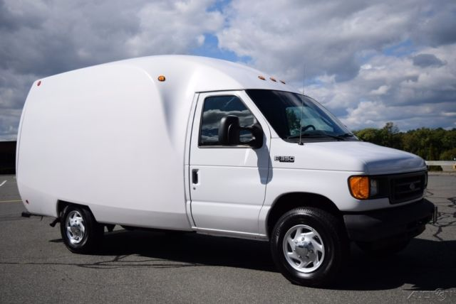 05 ford e 350 e350 xl cutaway box van truck unicell body 6 0l powerstroke diesel. Black Bedroom Furniture Sets. Home Design Ideas