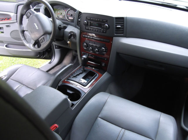 05 39 jeep grand cherokee limited 5 7 hemi must see no reserve. Black Bedroom Furniture Sets. Home Design Ideas