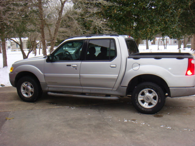1 owner silver 2002 ford explorer sport trac 4x4 v6. Black Bedroom Furniture Sets. Home Design Ideas