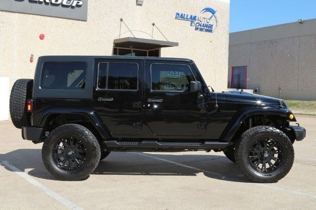 13 jeep wrangler sahara 4 5 inch lift custom wheels and tires 4x4 v6. Black Bedroom Furniture Sets. Home Design Ideas