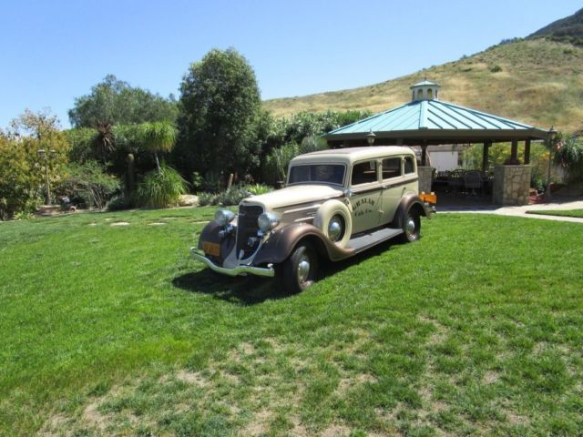 1934 Dodge Sedan Duel Side Mounts and Luggage Rack
