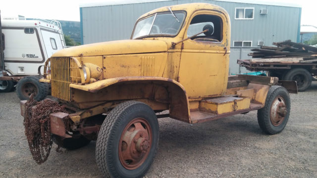 1942-43 Chevy truck bomb carrier ww2 m6