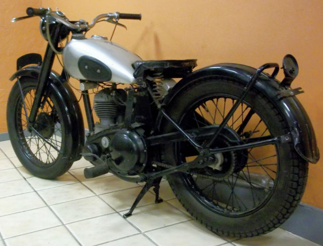 bsa  motorcycle highly collectible rare british cc