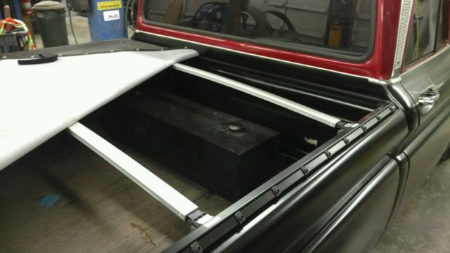 Chevrolet Short Bed Maroon Tonneau Cover