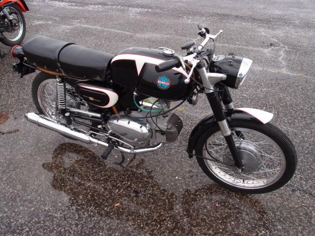 1965 Benelli 200 Sprite Egg Motor Motobi Barracuda 250