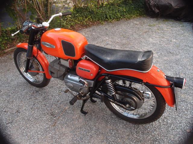 1967 Harley Davidson Aermacchi 250 Sprint Tv Replica Title