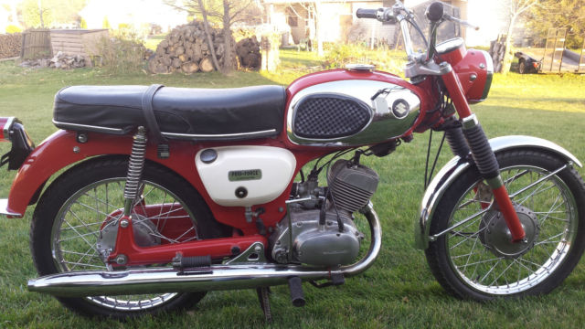 1969 suzuki b100p ,2 stroke this is a must see it is in mint