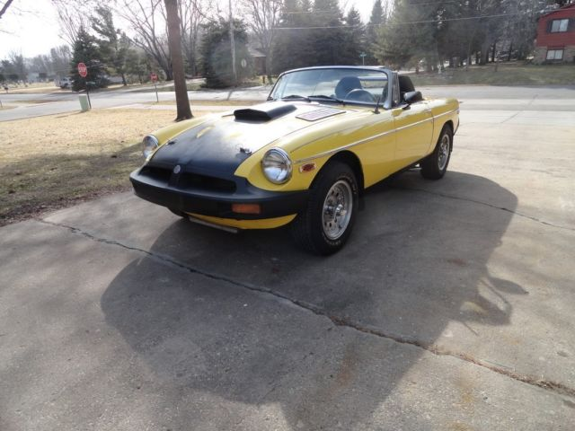 1980 mgb with 1969 chevy 350 engine plus 700r4 4 spd automatic transmission 4 1980 mgb with 1969 chevy 350 engine plus 700r4 4 spd automatic Volkswagen Beetle Fuse Box at webbmarketing.co