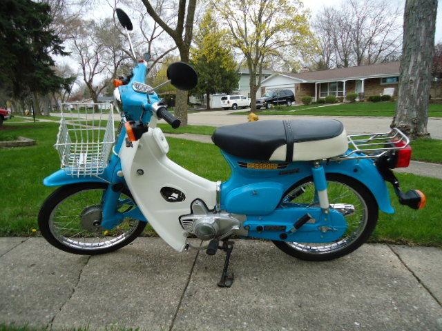 1981 blue white honda c70 passport scooter 304 original miles. Black Bedroom Furniture Sets. Home Design Ideas