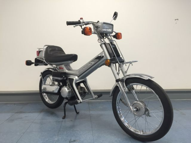1982 Honda NU50M Urban Express Deluxe Iowa Scooter / Moped