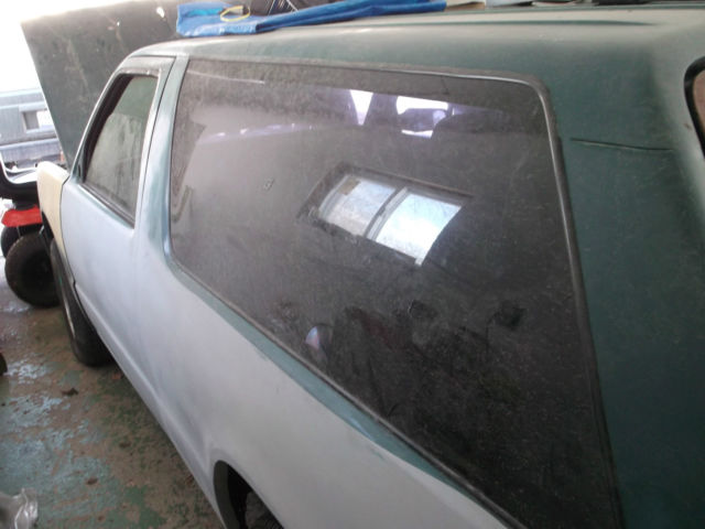 1984 CHEVY BLAZER S10 V8 PROJECT 2 WHEEL DRIVE LOWERED TWO DOOR