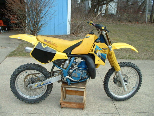 1987 Suzuki RM 250 Vintage Motocross Motorcycle Dirt Bike. Many New Parts.
