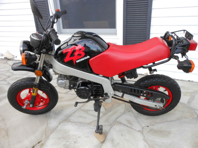 1988 honda zb 50cc mini motorcycle black and red mint condition. Black Bedroom Furniture Sets. Home Design Ideas