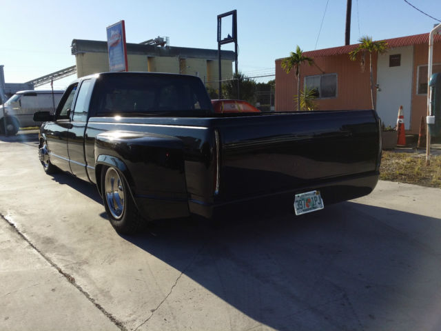 1989 c1500 cadillac dually with air bags and c3500 running gear