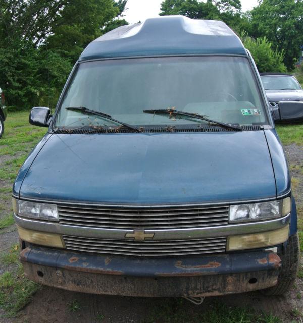 1995 Chevrolet Astro AWD Mark III High Top Conversion Van 3 Door 43L For Parts