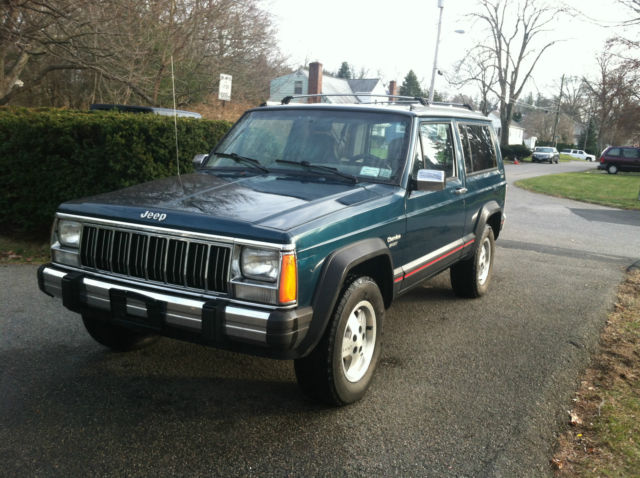 1995 jeep cherokee xj sport 4x4 2 door 5 speed manual. Black Bedroom Furniture Sets. Home Design Ideas