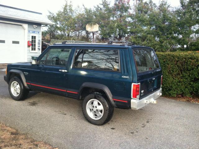 1995 Jeep Cherokee XJ Sport 4x4 2 Door 5 speed manual