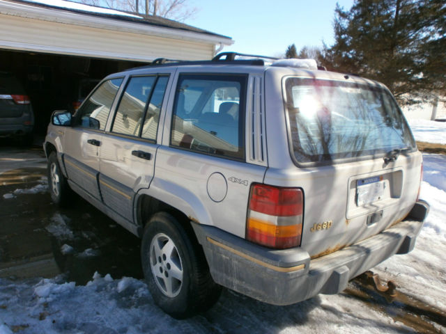 1995 jeep grand cherokee laredo 4x4 4 0l parts needs work project. Black Bedroom Furniture Sets. Home Design Ideas