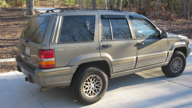 1995 jeep grand cherokee limited loaded full time 4x4 quadratrac great condition. Black Bedroom Furniture Sets. Home Design Ideas