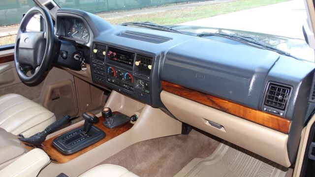 1995 range rover country classic design short wheel base soft dash low miles. Black Bedroom Furniture Sets. Home Design Ideas