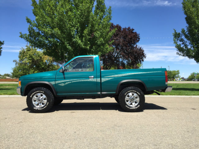 1996 NISSAN HARDBODY XE 4X4 4-SPEED MANUAL WITH ONLY 55 000