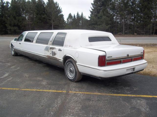 1997 Lincoln Town Car Limousine