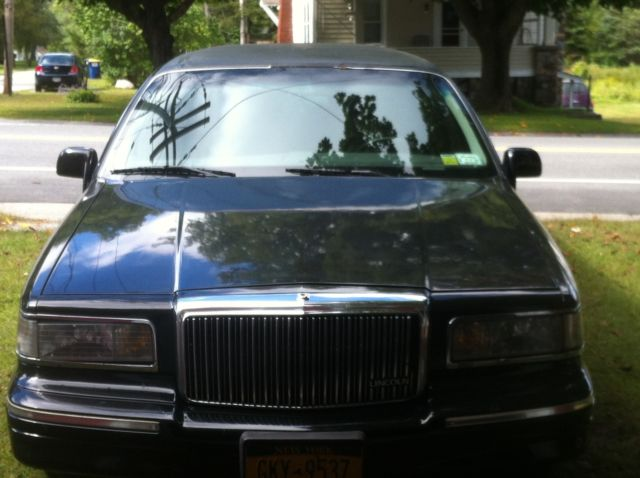 1997 Lincoln Town Car Limousine 4 Door 4 6l