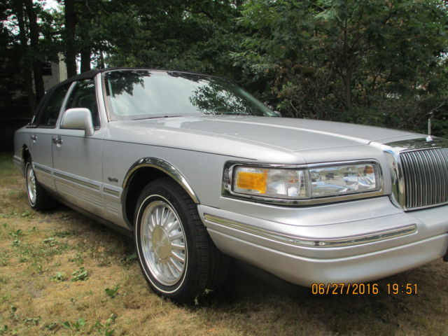 1997 Lincoln Town Car Presidential Edition Rare With All Documents