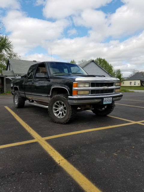 1998 Chevy Silverado Z71 Lift, Oversized Tires MUST SEE!!