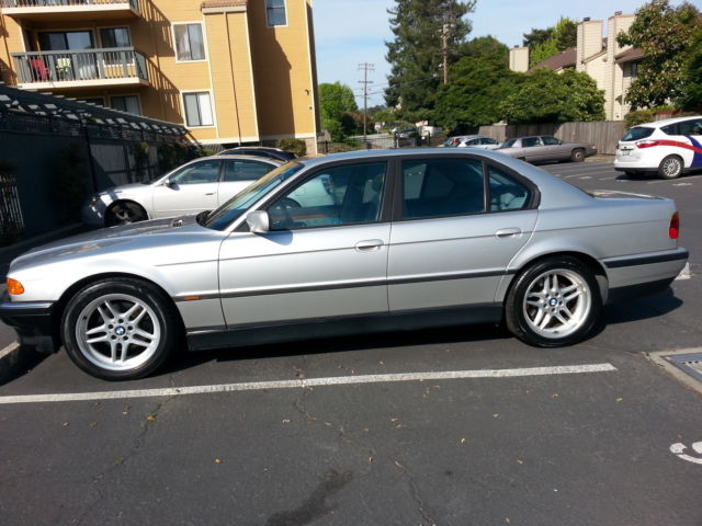 1999 BMW 740i SPORT PACKAGE