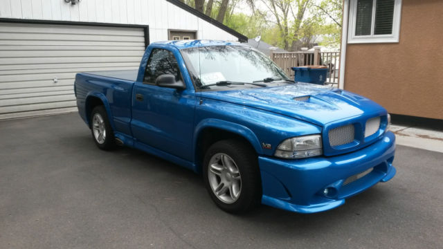 1999 Dodge Dakota R/T, 5.9L V8, Cervinis Sniper body kit, Infinity Perfect sound