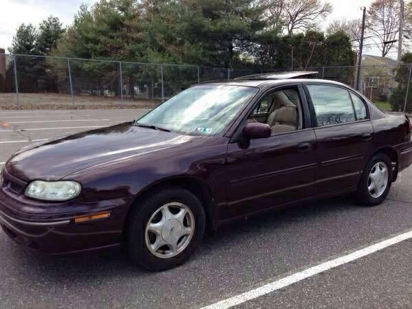 1999 oldsmobile cutlass gls sedan 4 door 3 1l only 82 000 miles no reserve vehicles markets com