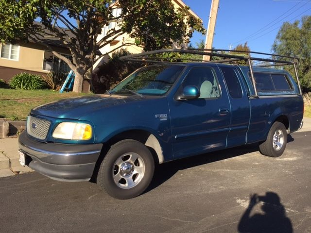 2000 F 150 Xlt Extended Cab Pick Up With Camper Shell And