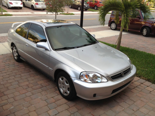 honda civic coupe  automatic silver sunroof clean