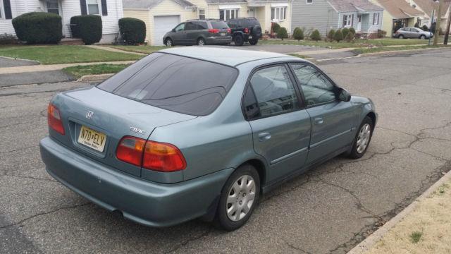 2000 Honda Civic EX-R Sedan 4-Door 1.6L