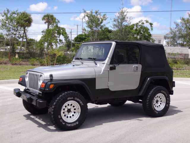 2000 Jeep Wrangler 4X4 4.0L Inline Six Manual Clean Carfax Upgraded Wheels