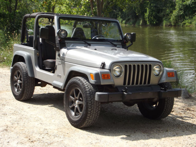 2000 jeep wrangler tj sport 2 door 4 0l with an automatic. Black Bedroom Furniture Sets. Home Design Ideas