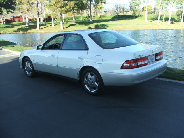 2000 Lexus Es300 Platinum Edition Mint One Family