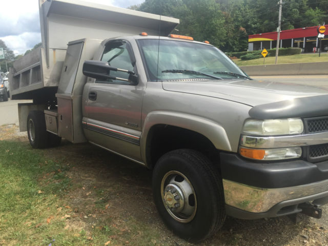 2001 CHEVY 3500 MASON DUMP WITH L PACK TOOLBOX