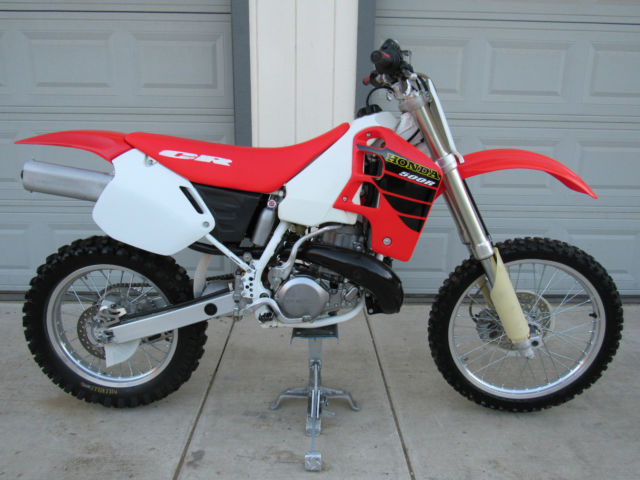 2001 honda cr500 pictures to pin on pinterest pinsdaddy. Black Bedroom Furniture Sets. Home Design Ideas