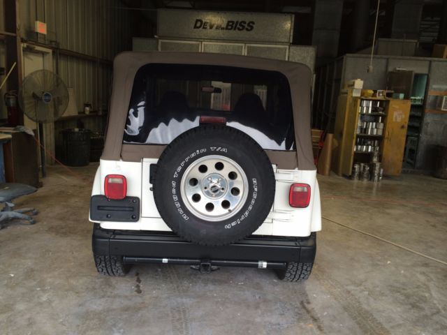 2001 jeep wrangler sahara white w tan soft top. Black Bedroom Furniture Sets. Home Design Ideas