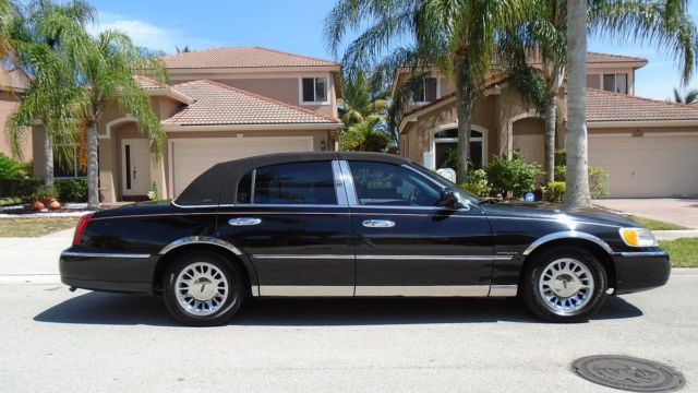 2001 lincoln town car cartier edition with black exterior good miles no reserve. Black Bedroom Furniture Sets. Home Design Ideas