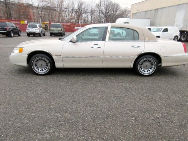 2001 Lincoln Town Car Cartier Signature Series Only 55 561 Miles