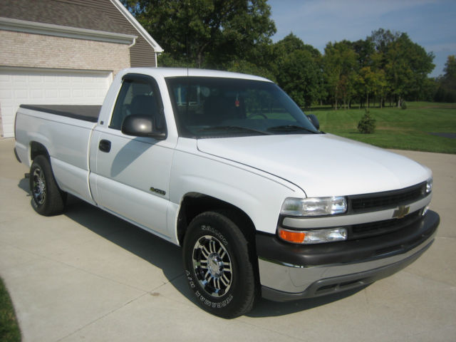2002 chevrolet silverado 1500 base standard cab pickup 2 door 4 3l. Black Bedroom Furniture Sets. Home Design Ideas
