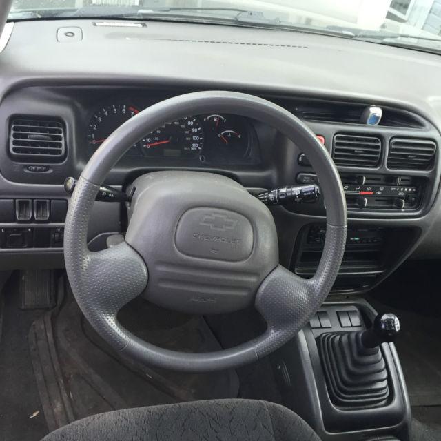 2002 Chevrolet Tracker, Dark Breen, Grey interior,6 Speed Manual