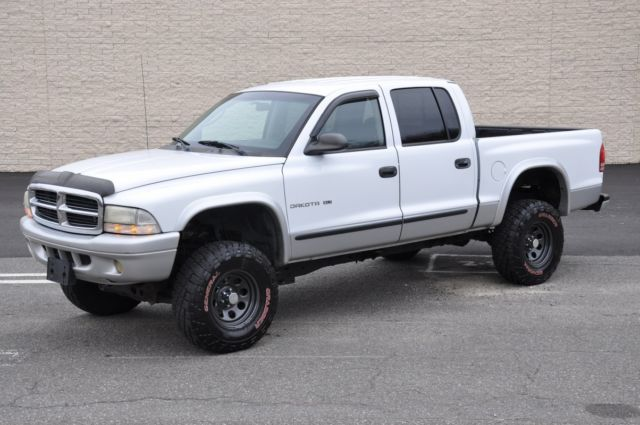 Dodge Dakota Slt Crew Cab X L Magnum V Lifted Altered Suspension on 2002 Dodge Dakota 3 Inch Lift Kit