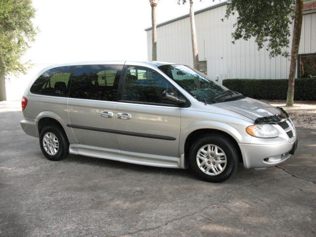 2002 dodge grand caravan se handicap wheelchair accessible van. Black Bedroom Furniture Sets. Home Design Ideas
