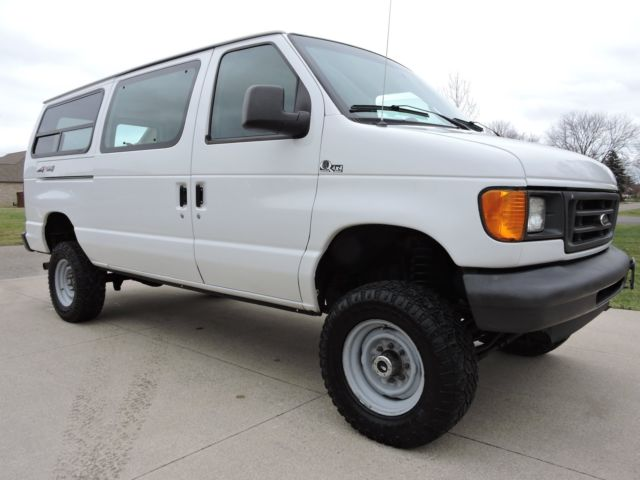 2003 ford e350 quigley 4x4 v10 cargo van 1 owner rust free. Black Bedroom Furniture Sets. Home Design Ideas