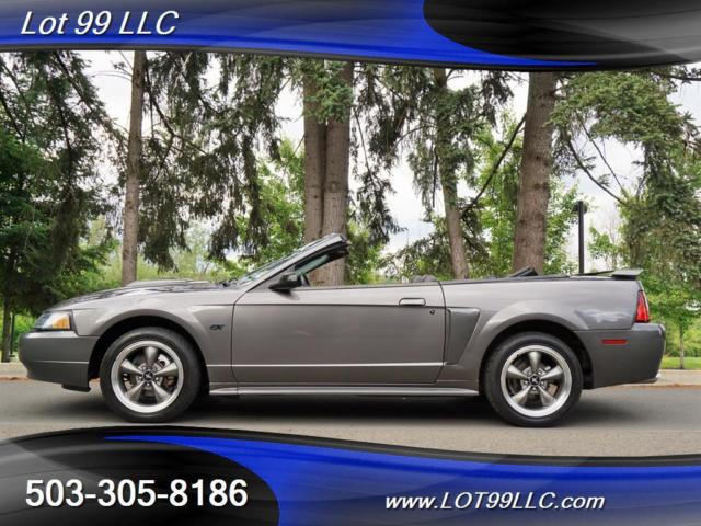 ford mustang gt convertible   speed mnaual