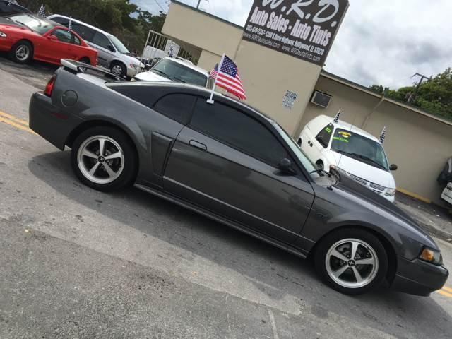 2003 Ford Mustang Gt Deluxe Coupe 2 Door Automatic 4 Sd V8 6l